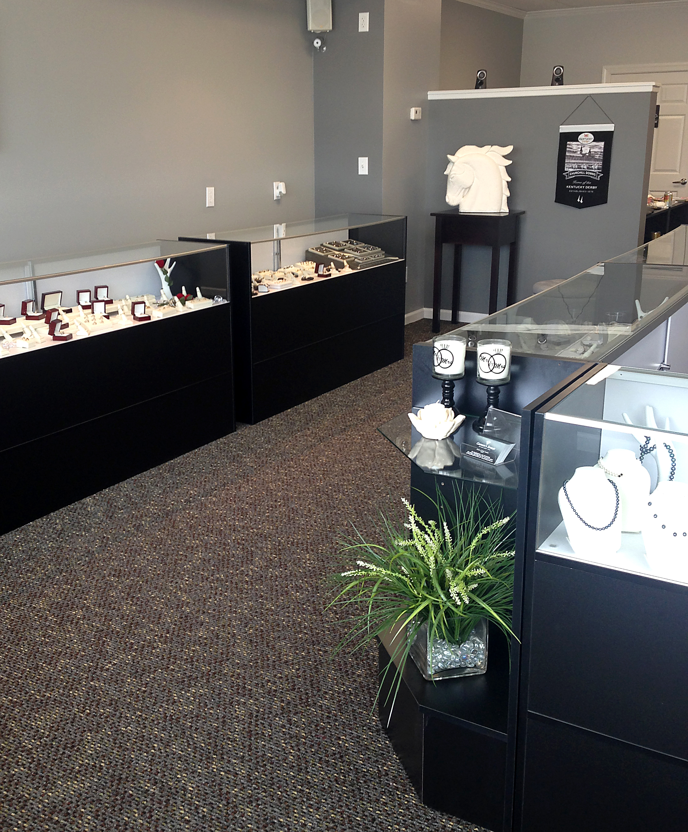 Jewelry stores in concord nh style guru fashion glitz for Jewelry stores in eau claire wi